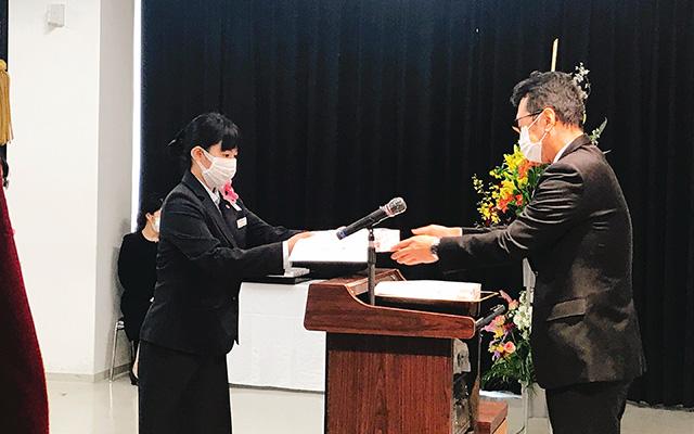 画像:晴れ着を着た学生